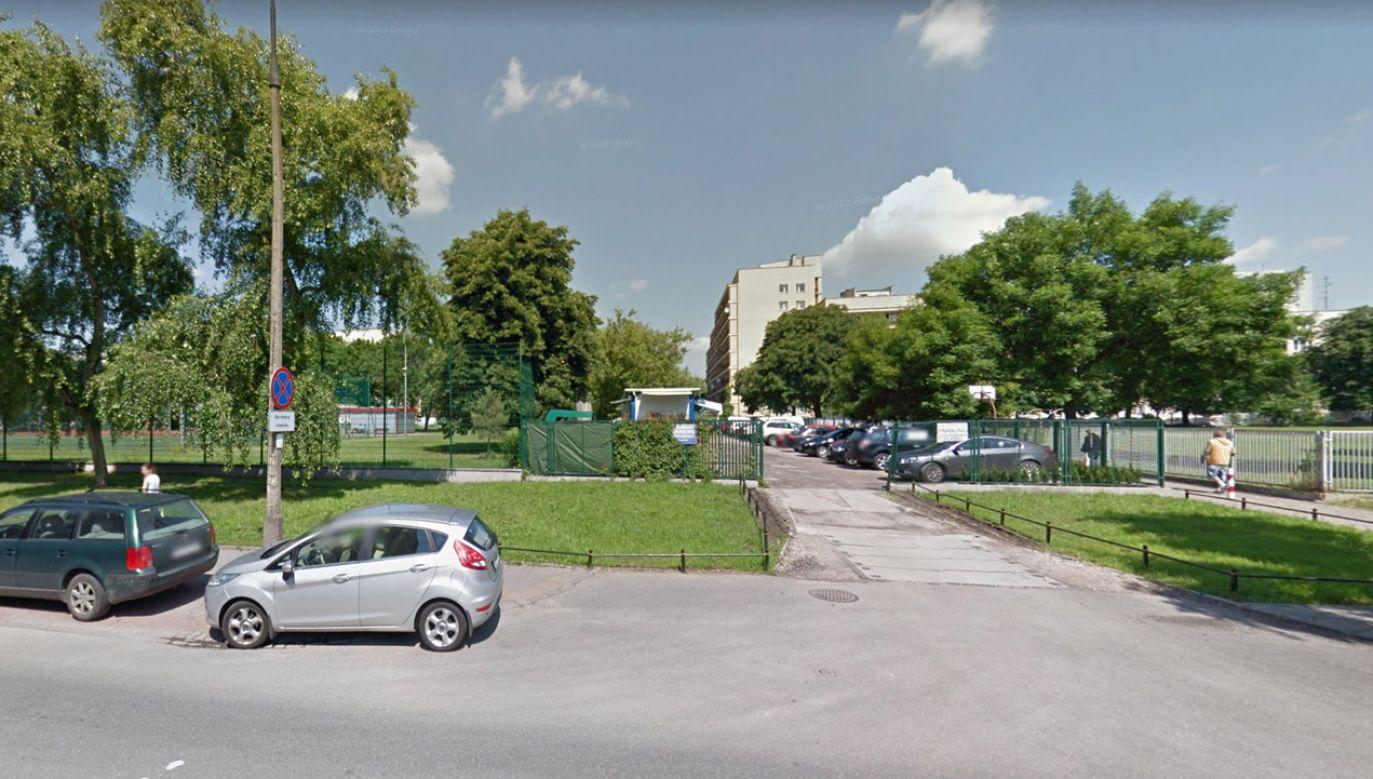 Na miejscu pracuje policja pod nadzorem prokuratora (fot. Google Streetview)