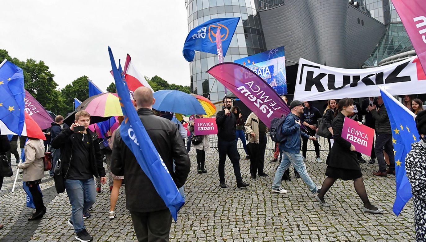 Według sondażu Estymatora próg wyborczy przekroczy pięć ugrupowań (fot. PAP/Piotr Nowak)