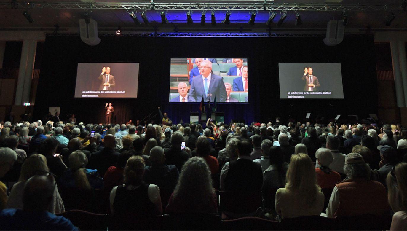 Przemówieniu przysłuchiwały się setki ofiar pedofilii (fot. PAP/EPA/LUKAS COCH)