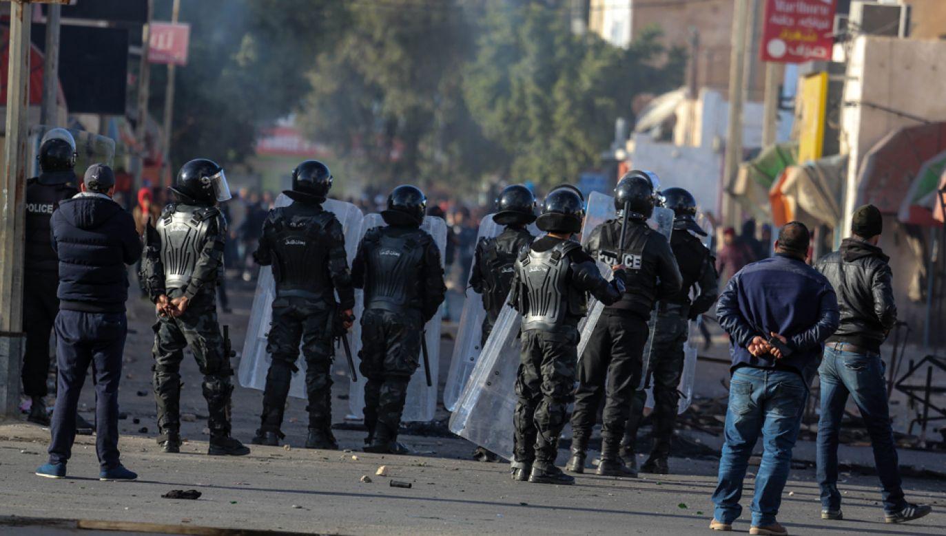 Podczas protestów w Trypolisie zginęło kilkadziesiąt osób (fot. Tasnim Nasri/Anadolu Agency/Getty Images)