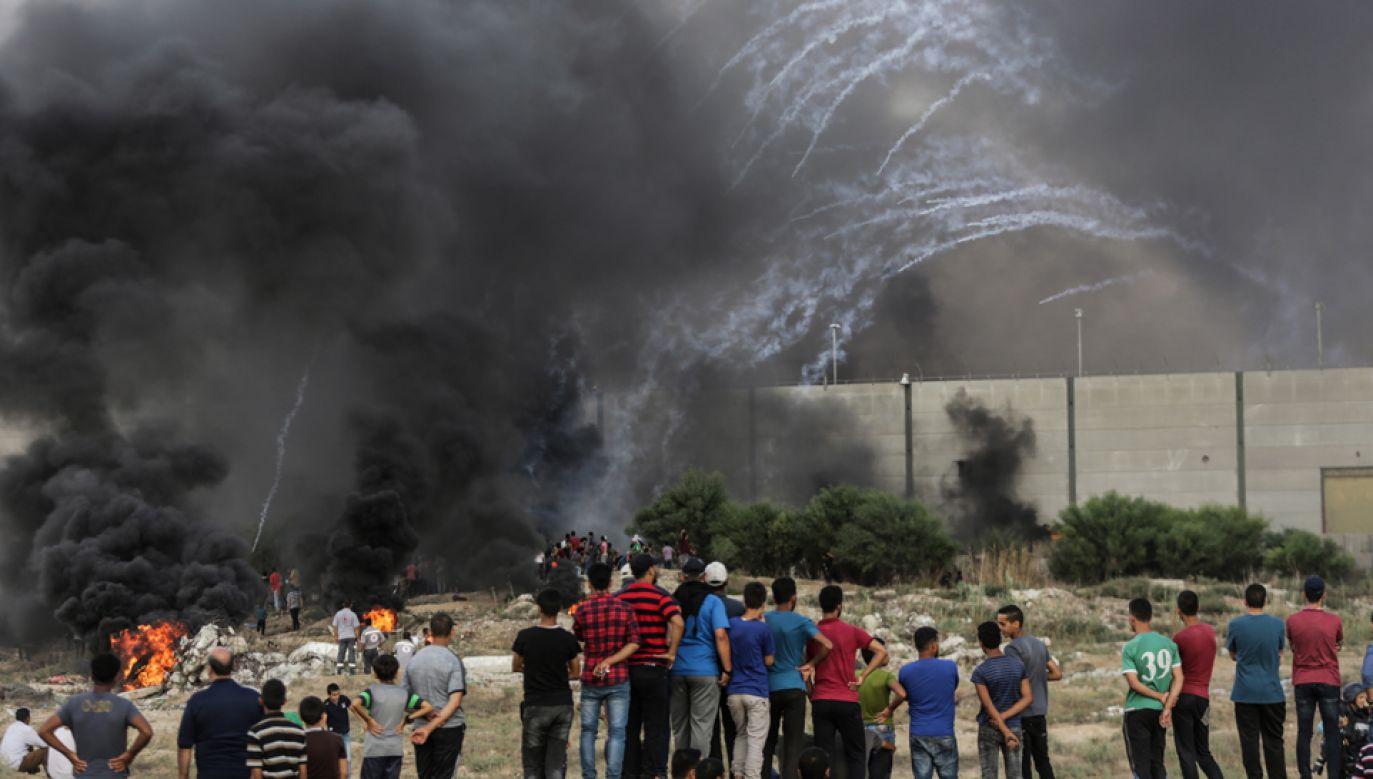 Starcia Palestyńczyków z izraelskimi oddziałami w Strefie Gazy (fot. EPA/HAITHAM IMAD)