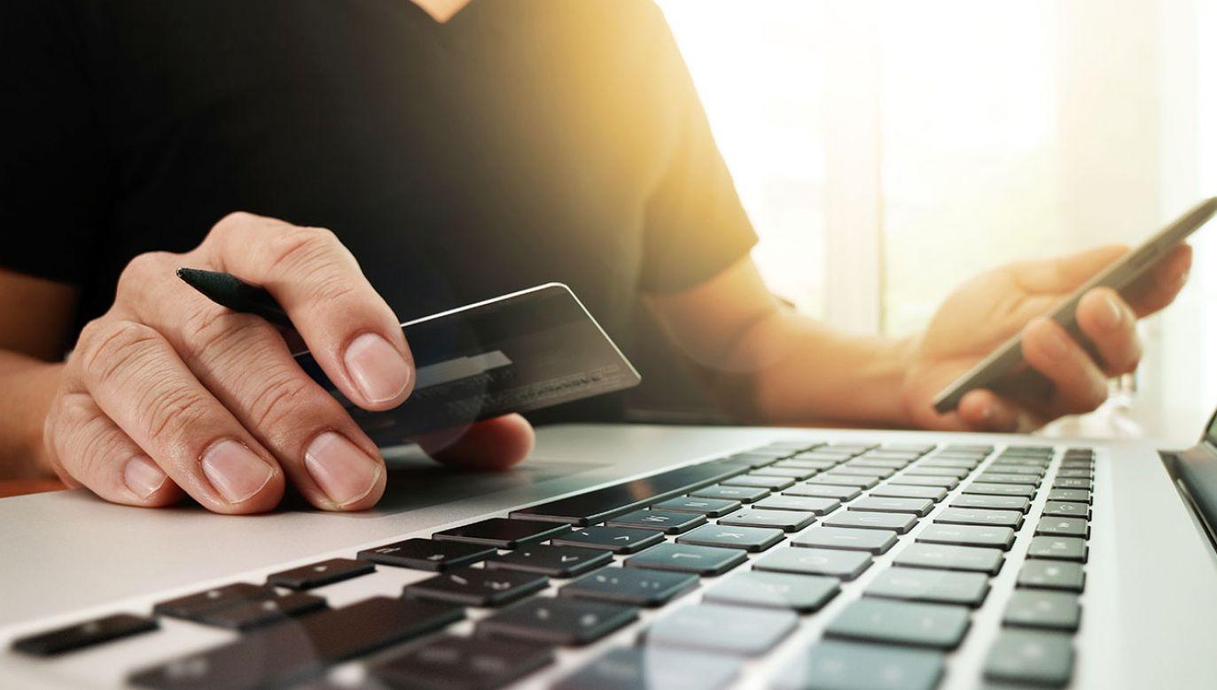 Utrudnienia w dostępie do e-bankowości trwały kilka godzin (fot. Shutterstock/everything possible)