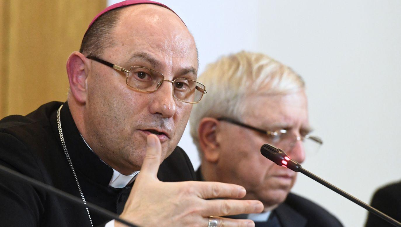 Kościół może pośredniczyć, jeśli obie strony sporu o to poproszą – zastrzegł prymas (fot. PAP Piotr Nowak)