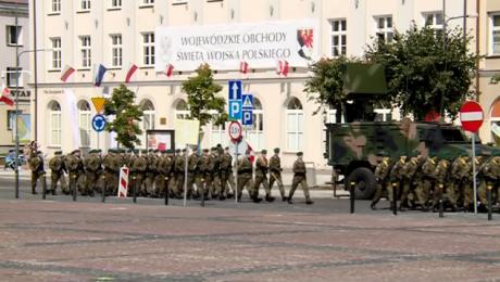 """Dumni z wojska. Upamiętnili rocznicę """"Cudu nad Wisłą"""""""