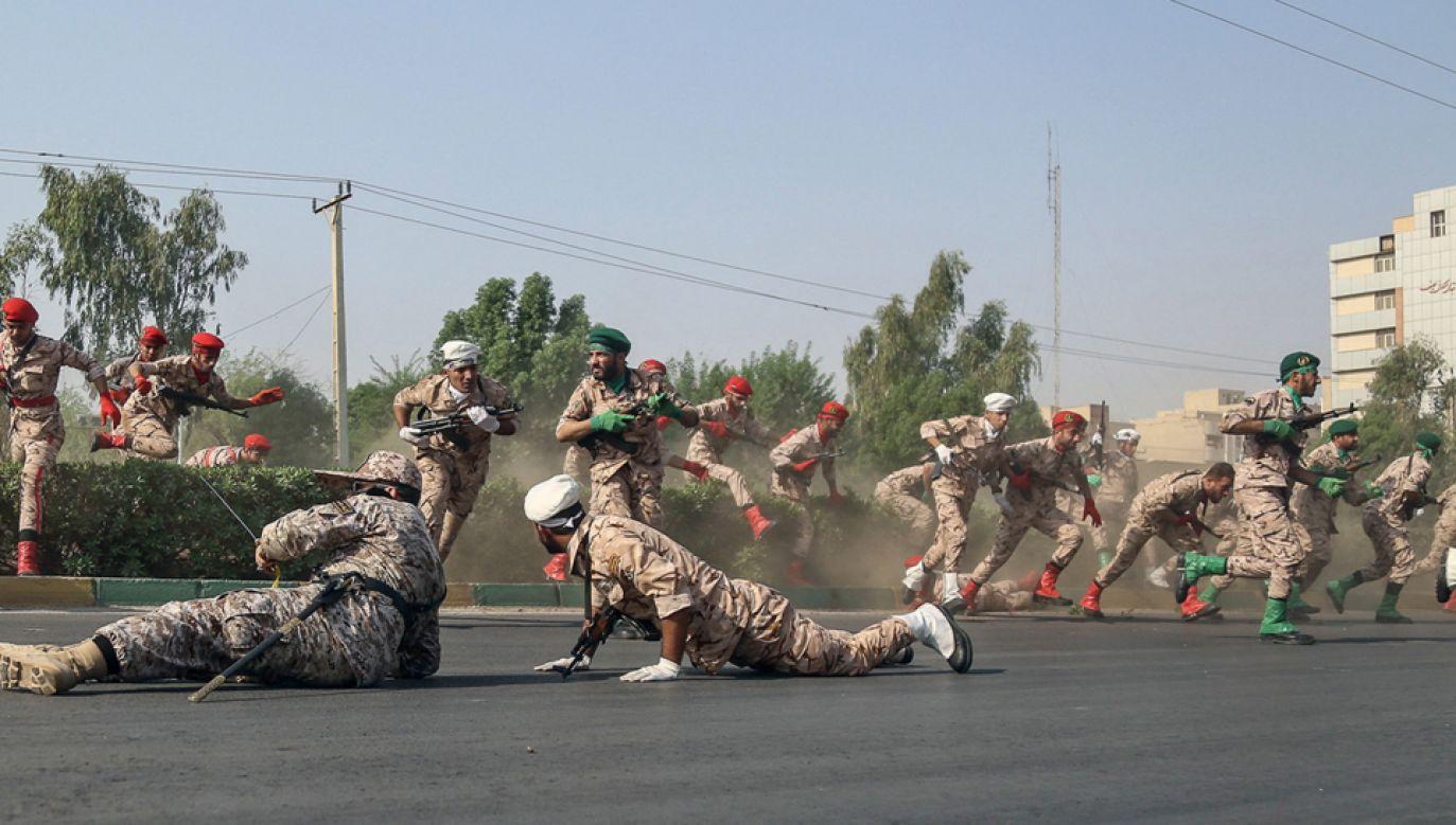 Do przeprowadzenia ataku przyznał się m.in. Arabski Ruch Walki o Wyzwolenie Ahwazu (fot. PAP/EPA/MORTEZA JABERIAN)