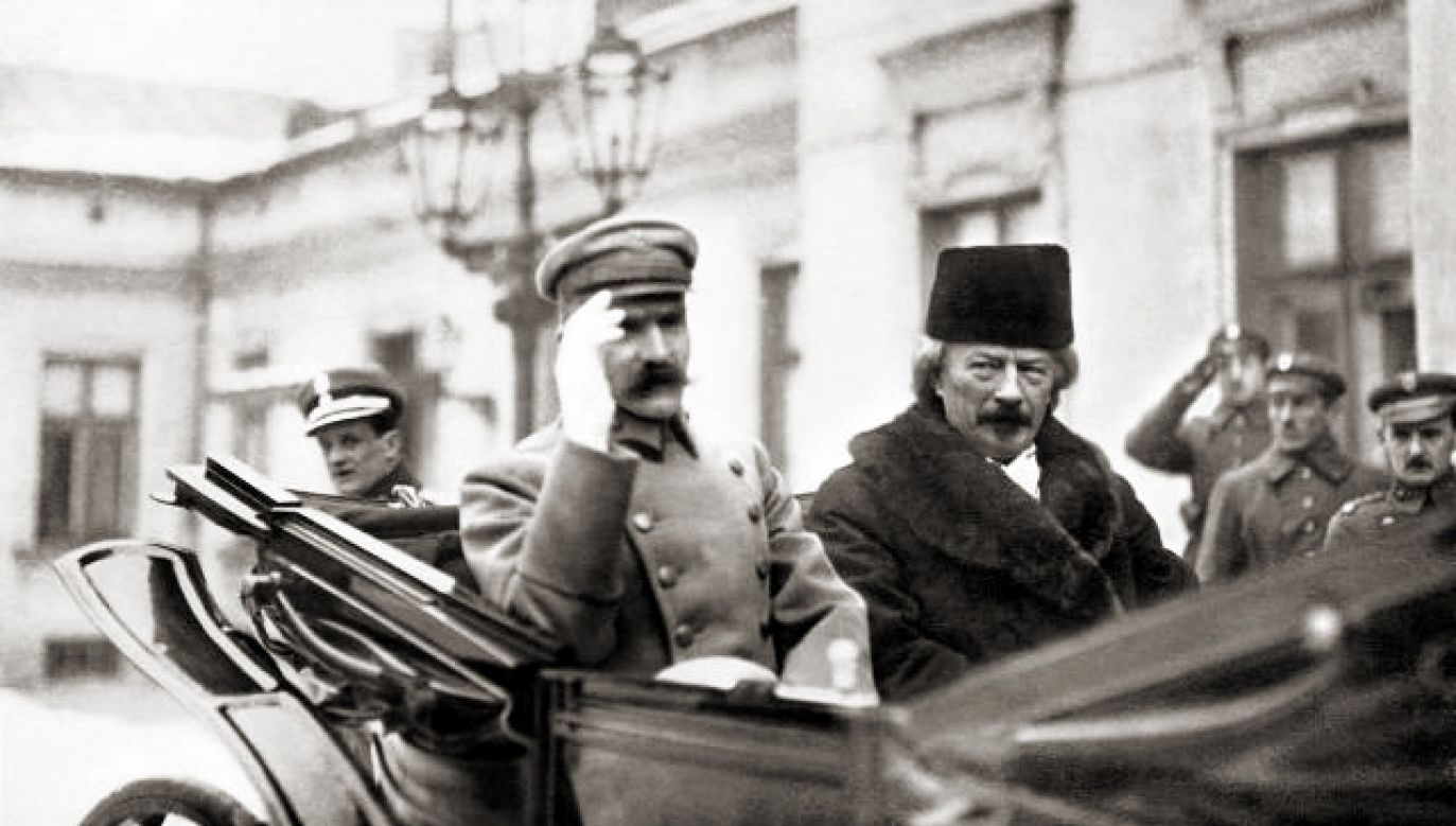 Chief of State Józef Piłsudski (L) and composer Ignacy Paderewski photographed in 1919. Paderewski was appointed as PM in January that year. Photo: Wikimedia, first published in January 1919 in Kurier Warszawski.