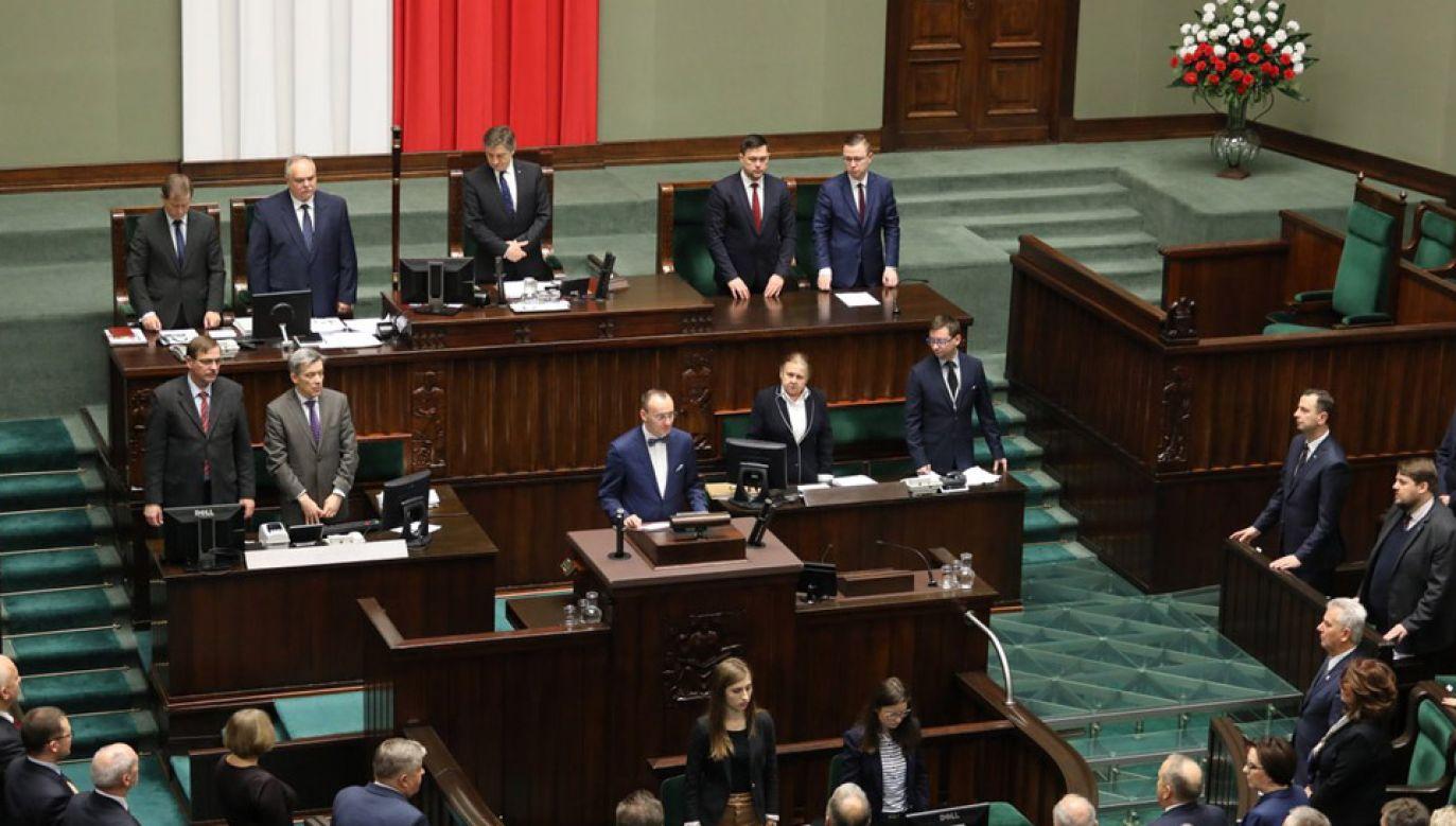 Mikołaj Pawlak złożył ślubowanie w Sejmie (fot. TT/Kancelaria Sejmu)