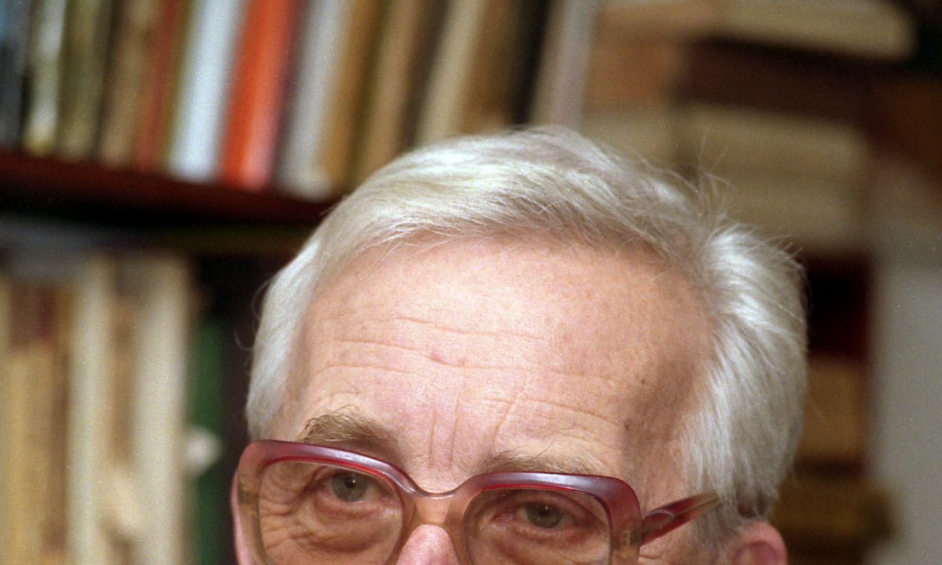1993: duże okulary i koszula w kratę (fot. TVP)