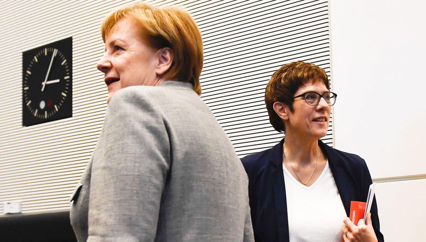W ocenie większości komentatorów  Kramp-Karrenbauer jest faworytem do zastąpienia Merkel, tym bardziej że cieszy się ona politycznym poparciem kanclerz (fot. PAP/EPA/FILIP SINGER)