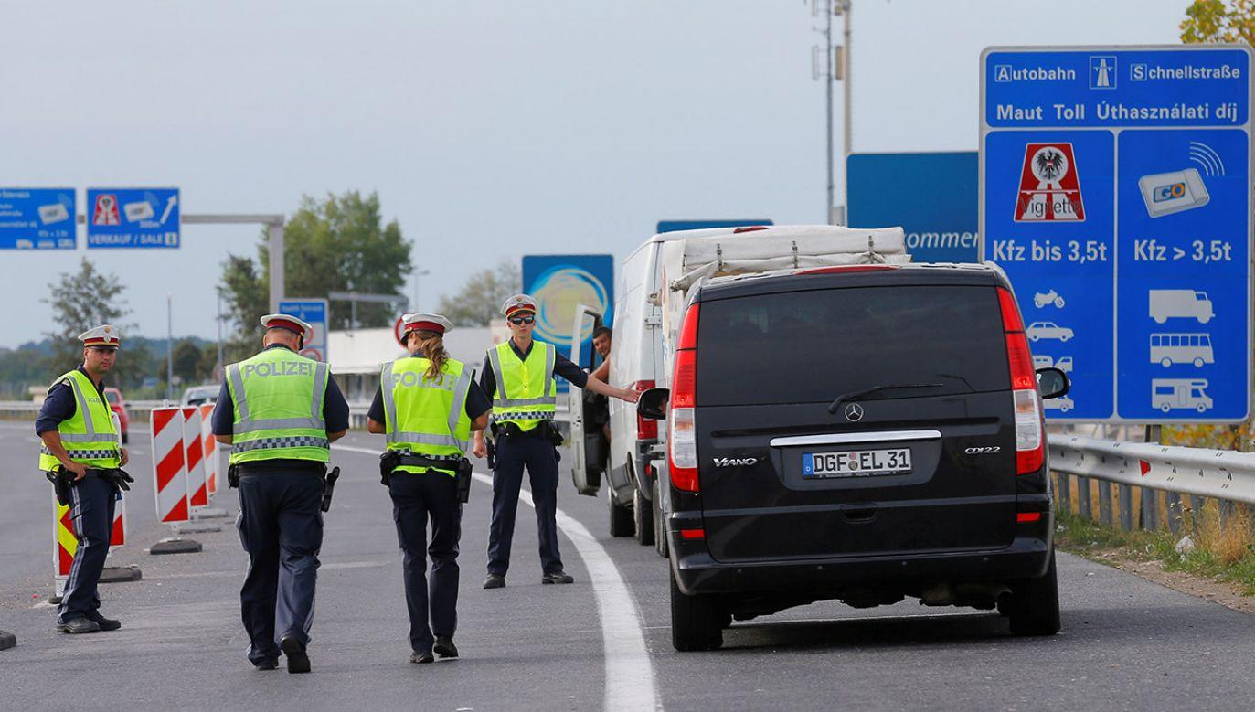 Granice wewnętrzne UE mogą być otwarte tylko pod warunkiem ochrony granic zewnętrznych – wskazują Węgrzy (fot. REUTERS/Heinz-Peter Bader)