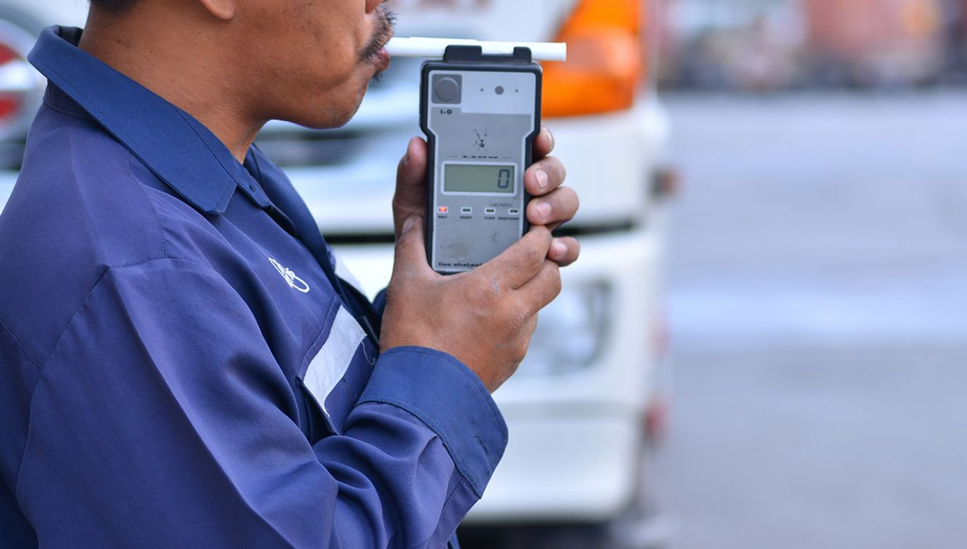 Zatrzymany to zawodowy kierowca, który ma uprawnienia do kierowania prawie wszystkimi pojazdami(fot. Shutterstock/ General photographer)