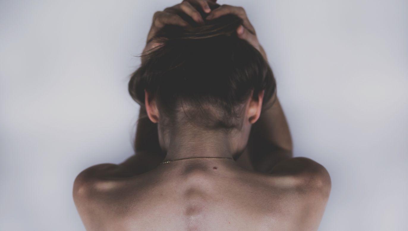 Ciąża nie jest lukrowanym pączkiem. To lęk o zdrowie swoje i dziecka, mdłości trwające całą dobę, zmieniające się ciało, które trudno zaakceptować i burza hormonów. Fot. Pixabay.com