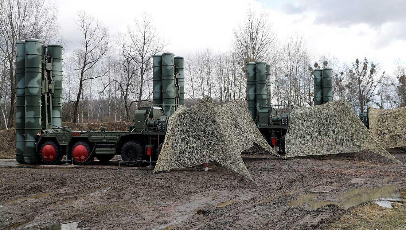 """System rosyjskich rakiet ziemia-powietrze S-400 """"Triumph"""" w obwodzie kaliningradzkim (fot. REUTERS/Vitaly Nevar)"""