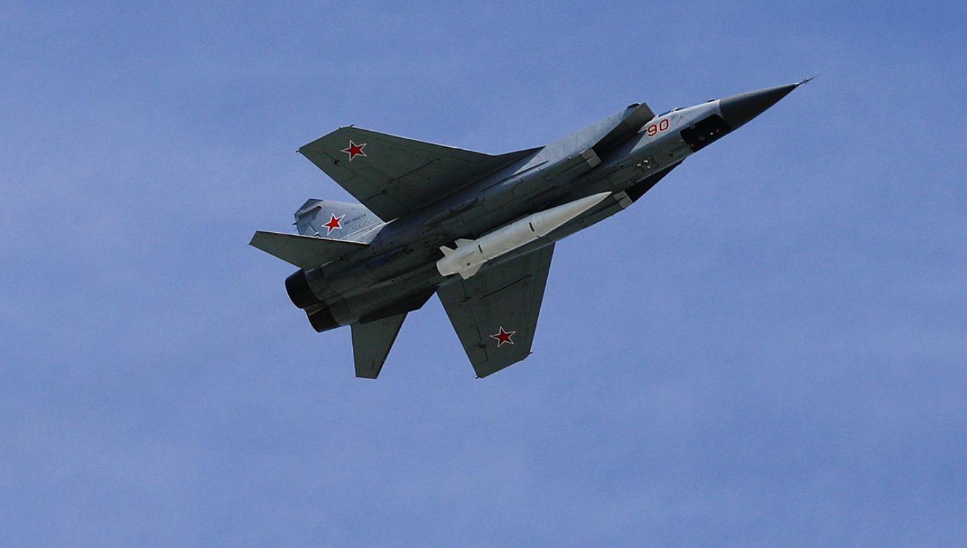 Myśliwce Mikojan MiG-31K z naddźwiękowymi pociskami Kinżał (fot. Sefa Karacan/Anadolu Agency/Getty Images)