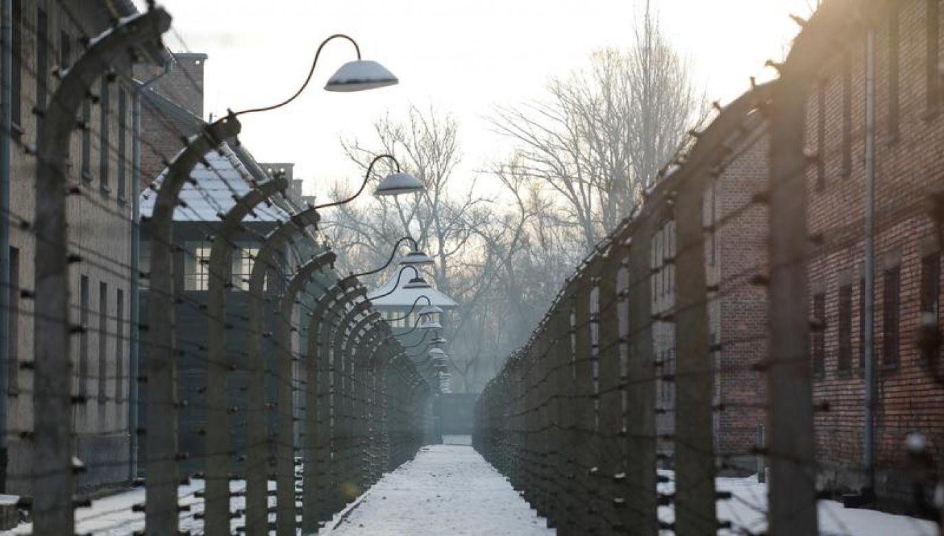 Politycy oddadzą hołd pomordowanym przed Ścianą Straceń (fot. REUTERS/Kacper Pempel)