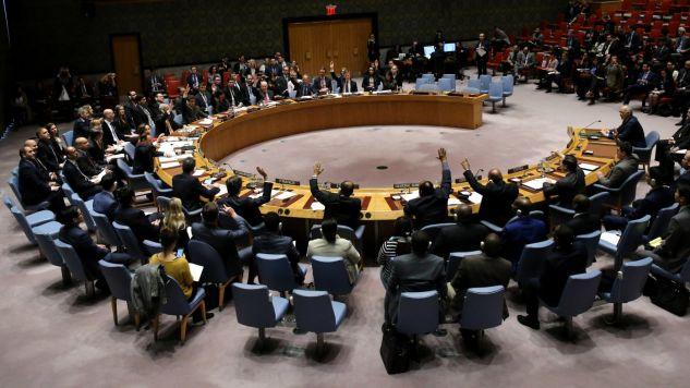 Rada Bezpieczeństwa Organizacji Narodów Zjednoczonych przyjęła rezolucję w sprawie Syrii (fot. PAP/EPA/PETER FOLEY)