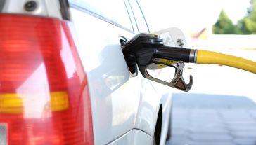 Przestępcy okradali państwo m.in. na akcyzie za paliwo (fot. Pixabay)