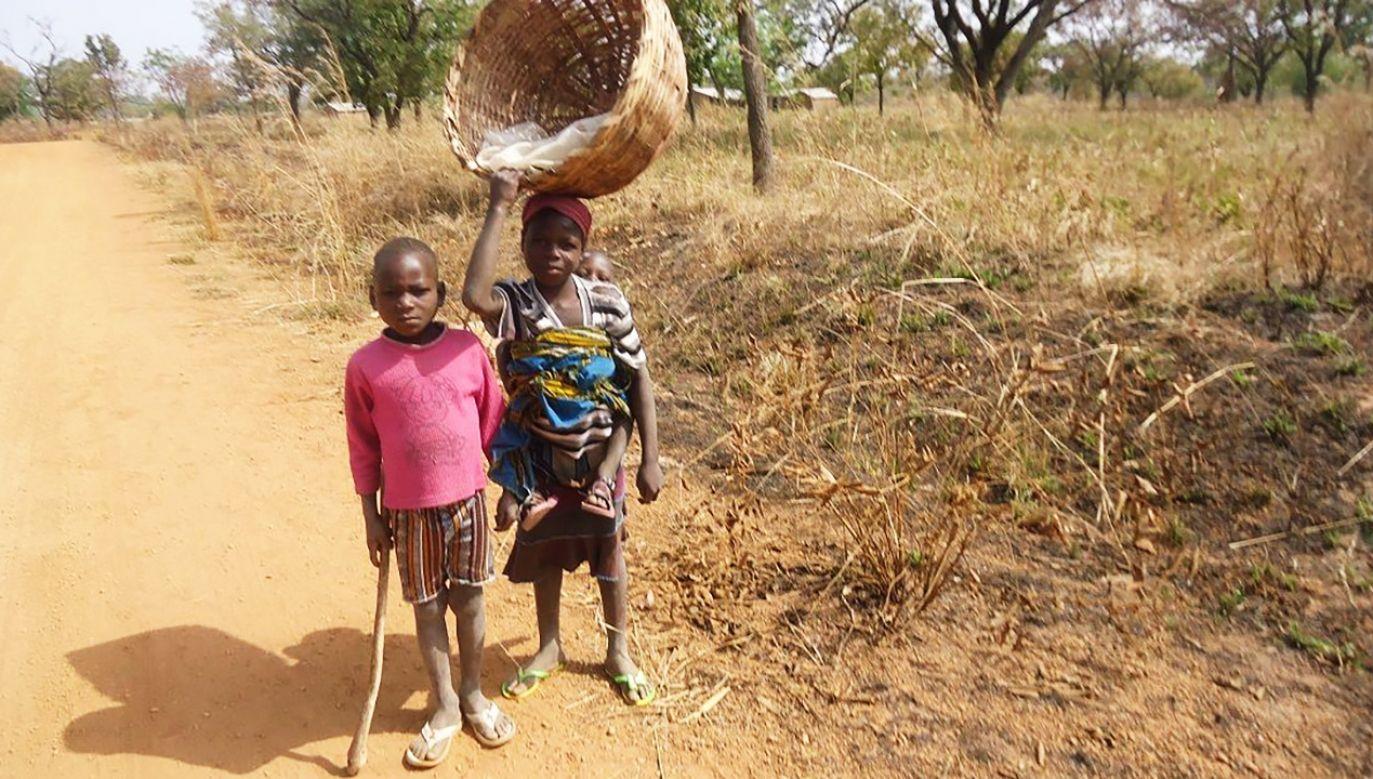 W jednej wiosce może zamieszkać 10 osób (fot. FB/Polska Fundacja dla Afryki)