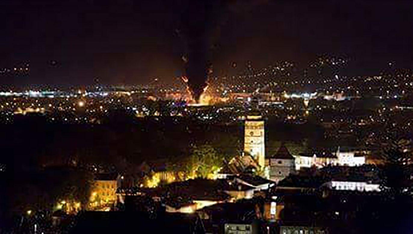 Ogromny pożar widoczny jest ze sporej odległości (fot. Twoje info)