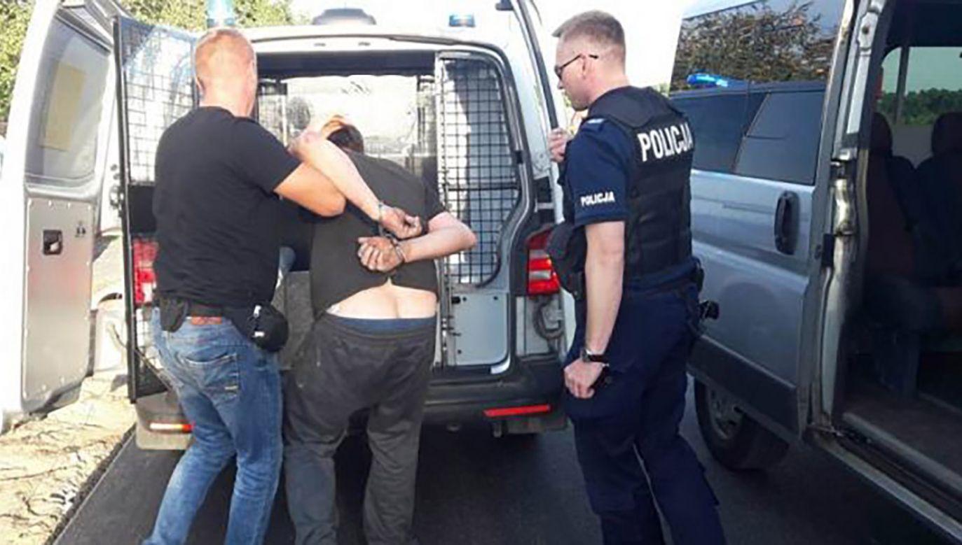Mężczyźnie grozi do 12 lat więzienia (fot. Policja łódzka)