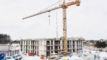 Widok na jeden z budynków gdyńskiego osiedla realizowanego w ramach rządowego programu Mieszkanie+ w Gdyni (fot. PAP/Adam Warżawa)