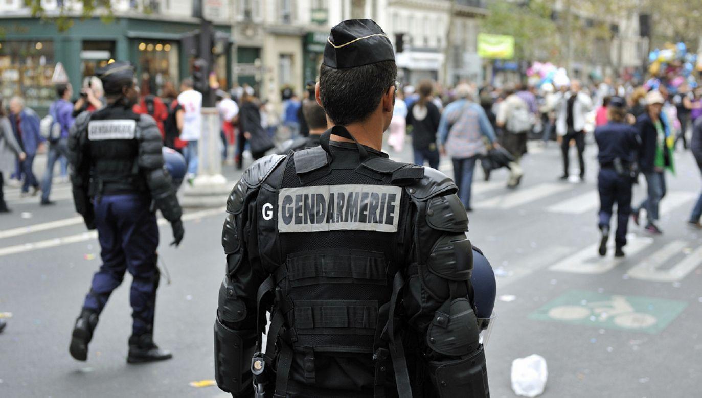 Mężczyzna poświęcił życie oddając się w ręce terrorysty (fot. Rog01/ Flickr)