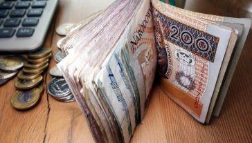 Dochody budżetu mają wynieść 355,7 mld zł, a  wydatki – 397,2 mld zł.(fot. Shutterstock/Piotr Swat)