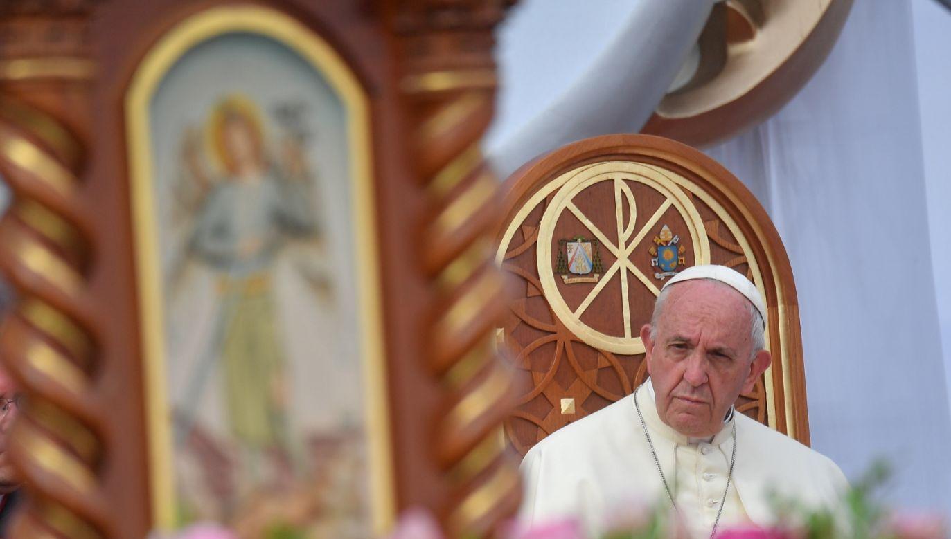 Papież dodał, że przypadki przemocy są