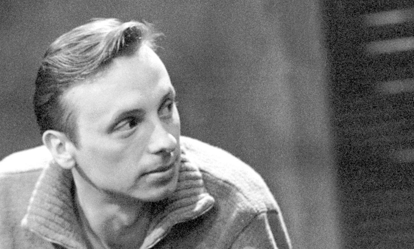 1960: młody aktor jeszcze bez charakterystycznych wąsów (fot. TVP)