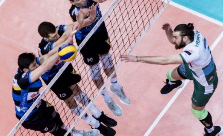Decydującą partię gospodarze wygrali 25:20 (fot. indykpolazs.pl / Kacper Kirklewski)