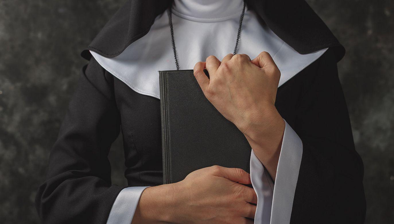 Zakonnice będą mogły zgłaszać przypadki nadużyć, także seksualnych (fot. Shutterstock/LOGVINYUK YULIIA)