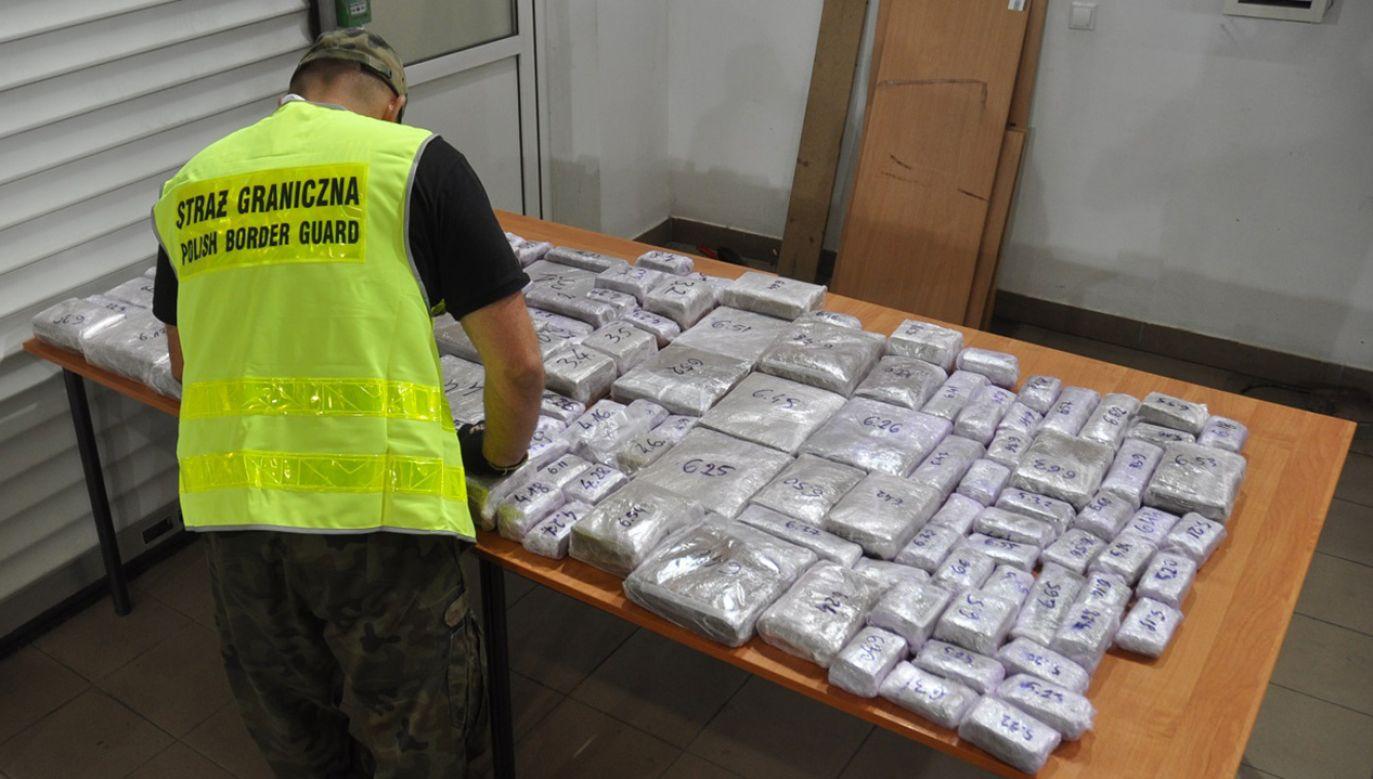 Znalezione ponad 86 kg narkotyku ma wartość 4,3 mln zł (fot. nadbuzanski.strazgraniczna.pl)