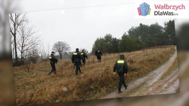 Na pomoc ruszyły wszystkie okoliczne patrole policji, straż pożarna i GOPR (fot. Wałbrzych dla Was)