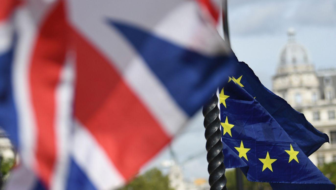 Rząd stara się, aby polscy obywatele na Wyspach Brytyjskich zachowali swoje przywileje.(fot. PAP/EPA/NEIL HALL)