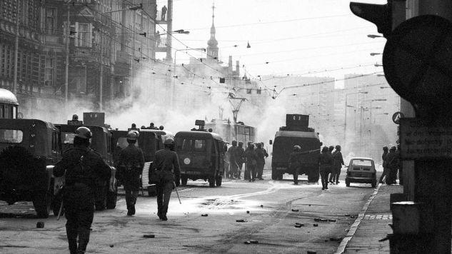 W nocy z 12 na 13 grudnia 1981 roku został wprowadzony stan wojenny (fot. arch. PAP Jerzy Undro)