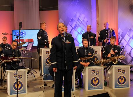 """Muzycy z zespołu """"United States Air Forces in Europe"""" w TVP3 Rzeszów"""