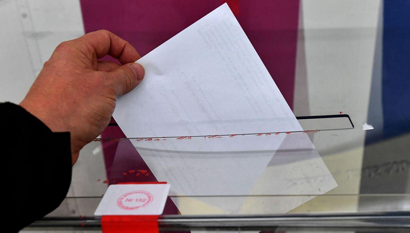 Za złamanie ciszy wyborczej grozi nawet milion złotych grzywny (fot. PAP/Marcin Bielecki)
