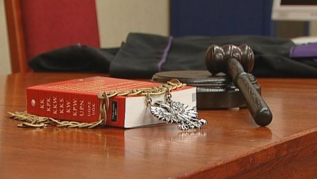 Sędzia wydalony z zawodu za kradzież