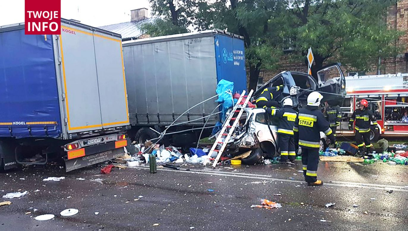 Dwie osoby z poważnymi obrażeniami ciała trafiły do szpitala w Grajewie  (fot. Twoje Info)