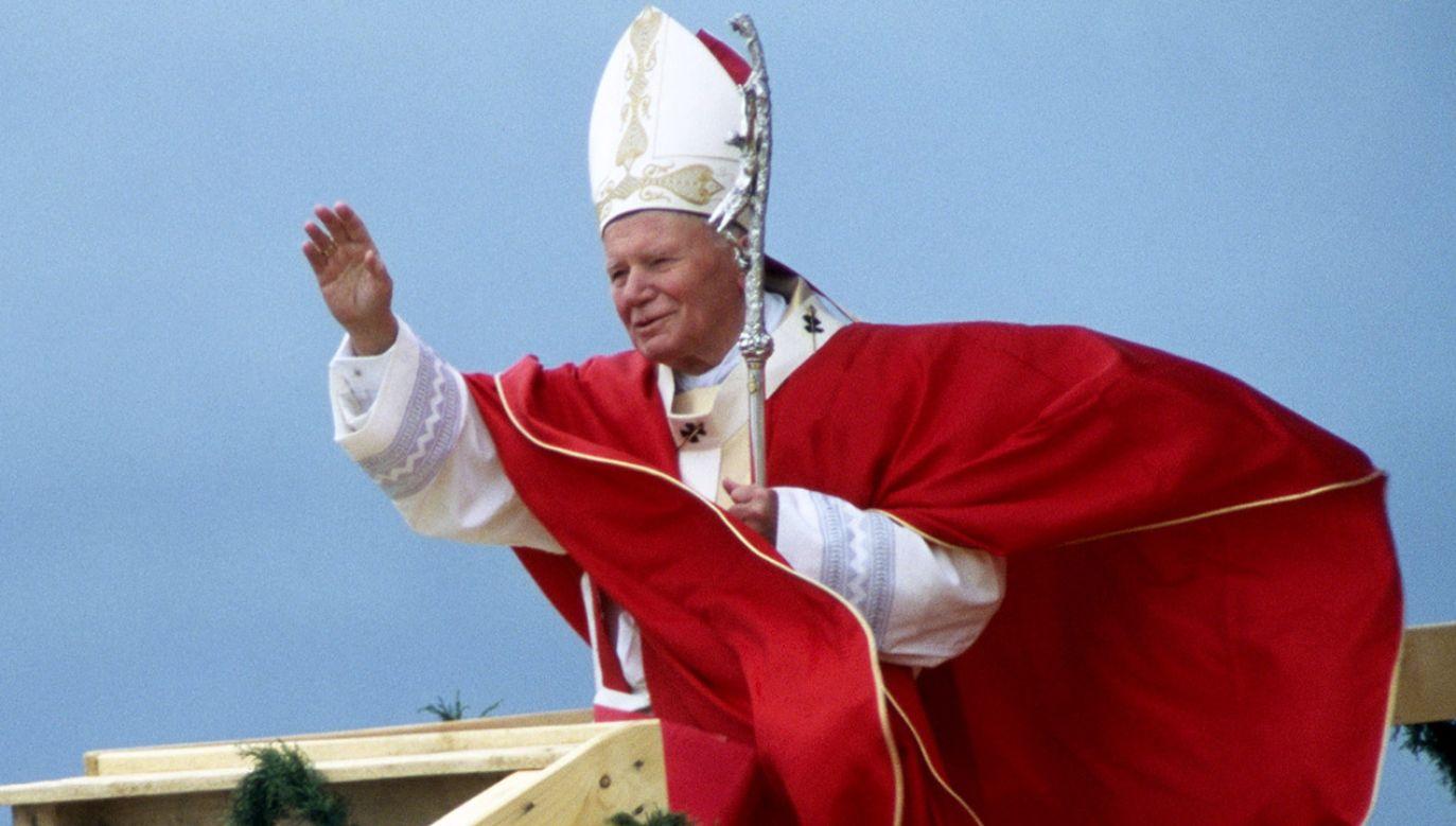 Rocznica pielgrzymki Jana Pawła II upamiętniona zostanie cyklem plenerowych koncertów fortepianowych (fot. Franco Origlia/Getty Images)