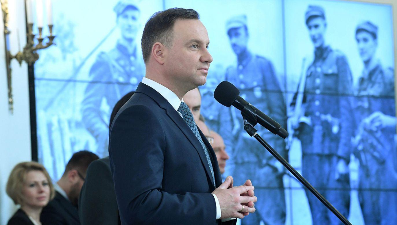 """""""Obyśmy nigdy nie zapomnieli, że nasza wolność okupiona została krwią Żołnierzy Wyklętych — Niezłomnych"""" – przypomina Prezydent (fot. arch. PAP/Bartłomiej Zborowski)"""