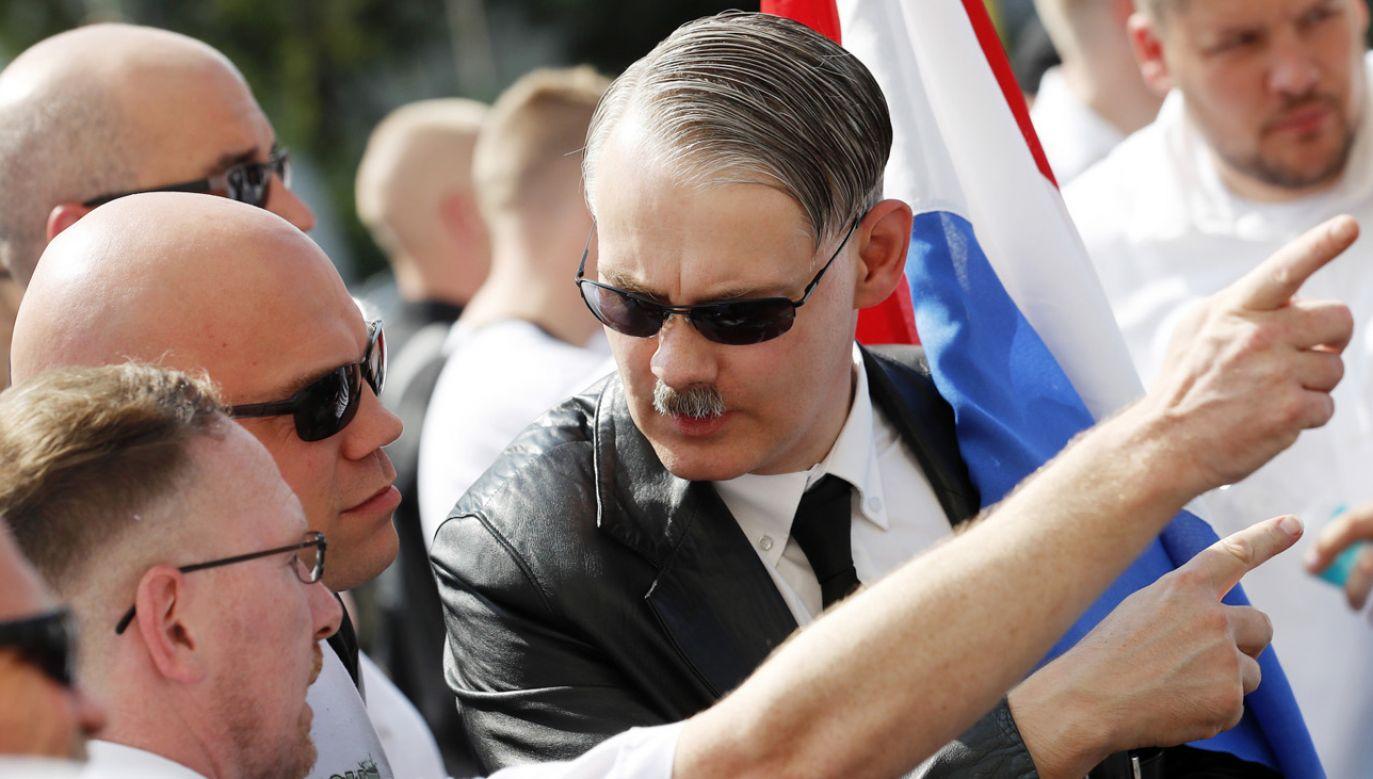 Neonaziści przeszli ulicami Berlina (fot. EPA/FELIPE TRUEBA)
