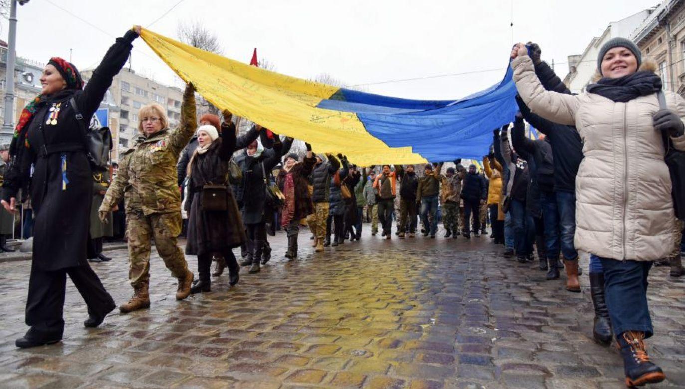 Według raportu Ukraińcy w Poznaniu czują się dobrze, łatwo znajdują tu pracę i chwalą sobie poziom życia (fot. PAP/EPA/MYKOLA TYS)
