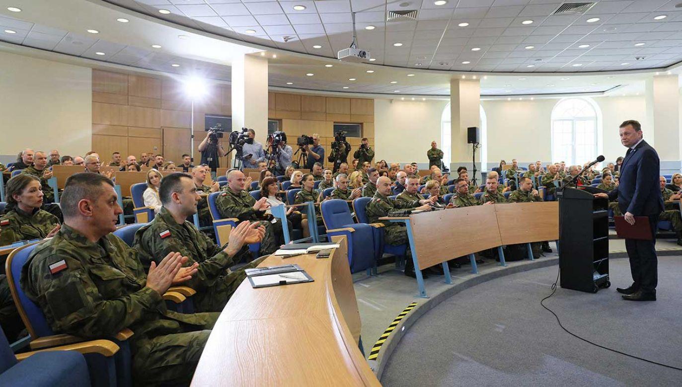 Minister obrony narodowej Mariusz Błaszczak zainaugurował warsztaty poświęcone sposobom prezentacji współczesnych Sił Zbrojnych RP (fot. PAP/Paweł Supernak)
