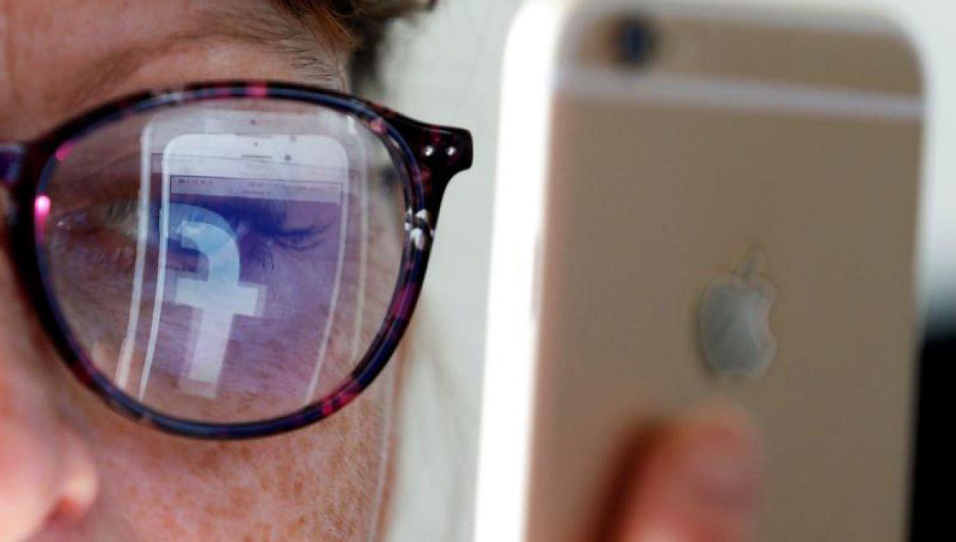 Nowe aktualizacje na Instagramie i Facebooku pozwolą kontrolować ilość czasu spędzanego w tych mediach społecznościowych (fot. REUTERS/Regis Duvignau/Illustration)