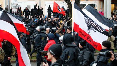 e363b843 Polskie państwo, które słusznie ściga neonazistów, powinno również  zdecydowanie ustosunkować się do pogrobowców komunizmu – ocenił wiceszef PE  Ryszard ...