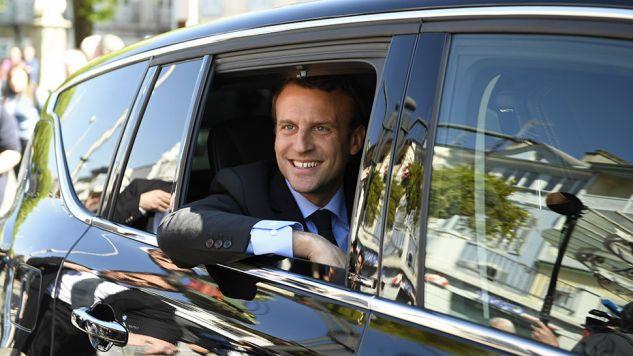 Ostatnie sondaże przed I turą wskazują na zwyciestwo Emmanuela Macrona (fot. PAP/ EPA/ERIC FEFERBERG)