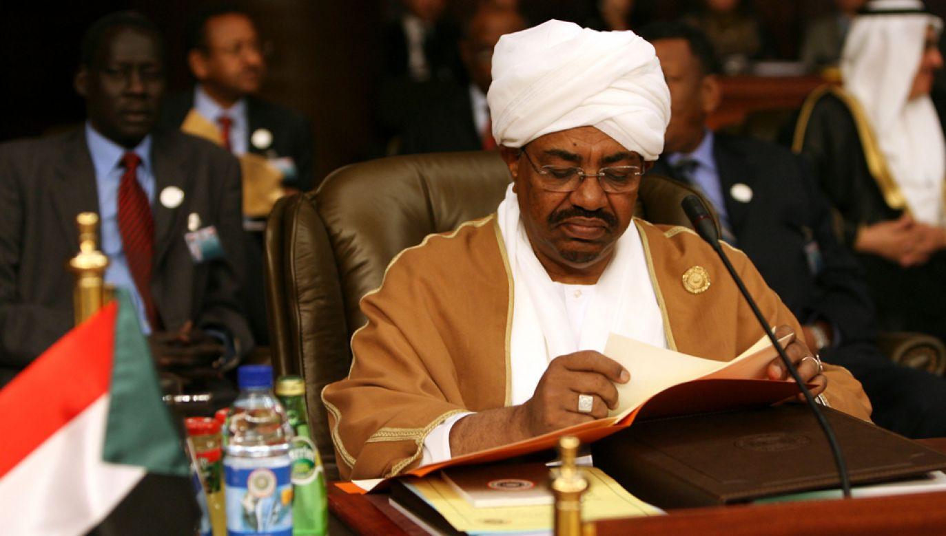 Sprawujący władzę od 1989 roku Omar el-Baszir jest oskarżony o zbrodnie przeciwko ludzkości, zbrodnie wojenne i ludobójstwo w sudańskiej prowincji Darfur (fot. Salah Malkawi/ Getty Images)