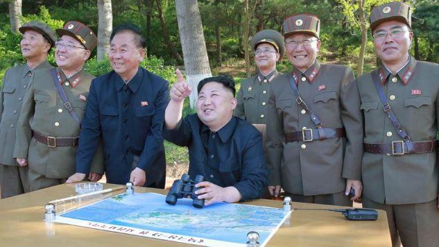 Kim Dzong Un miał nakazać rozpoczęcie produkcji nowych pocisków (fot. PAP/EPA/KCNA)
