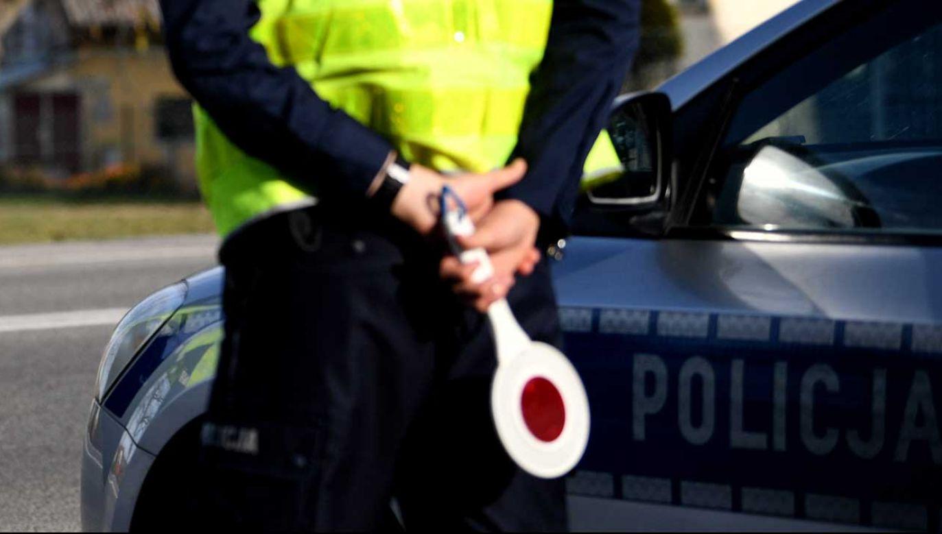 Policjant trafił do szpitala (fot. arch. PAP/Darek Delmanowicz)